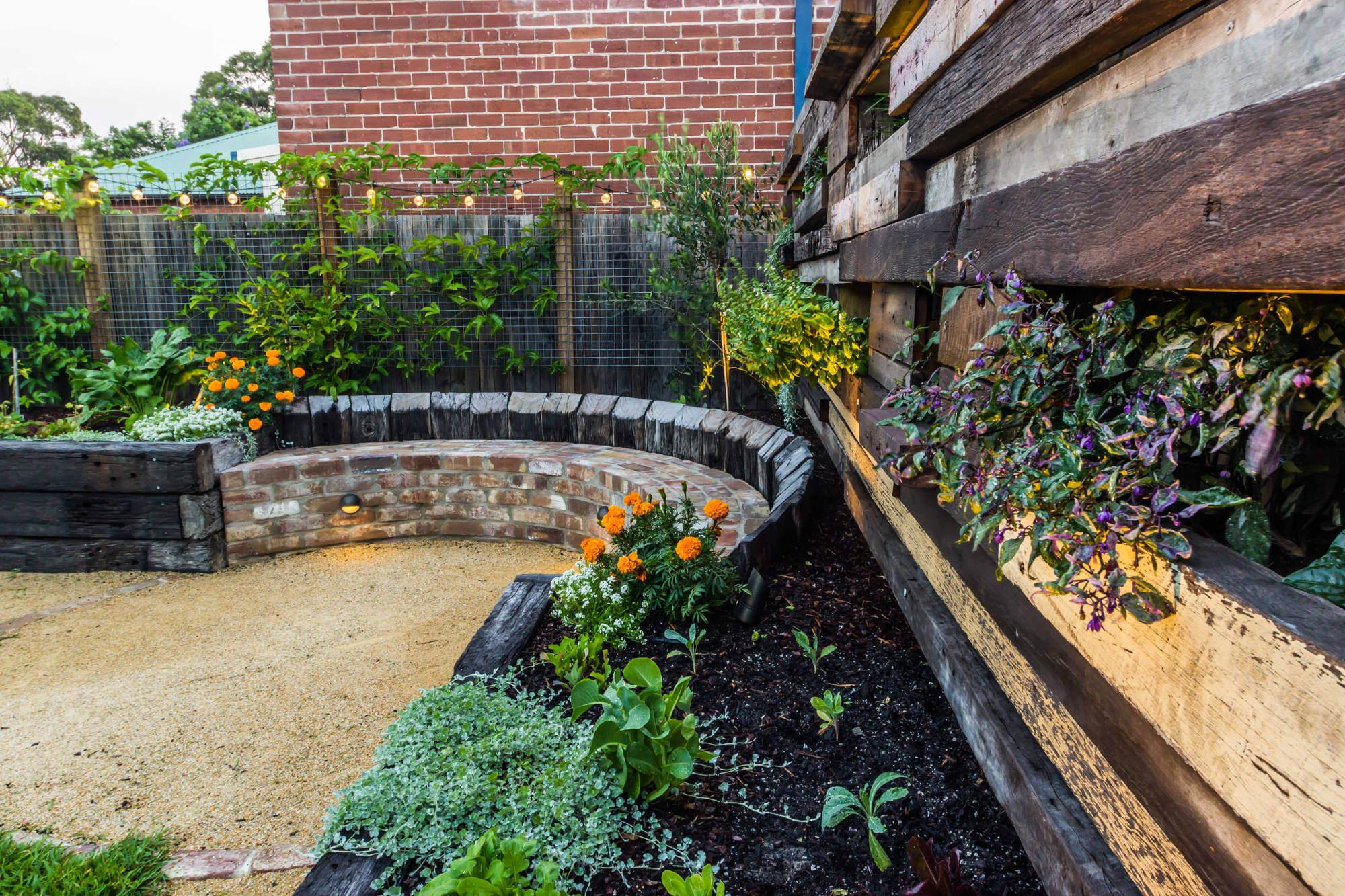 Cooks Hill garden design - Newcastle Landscape Design   MUD